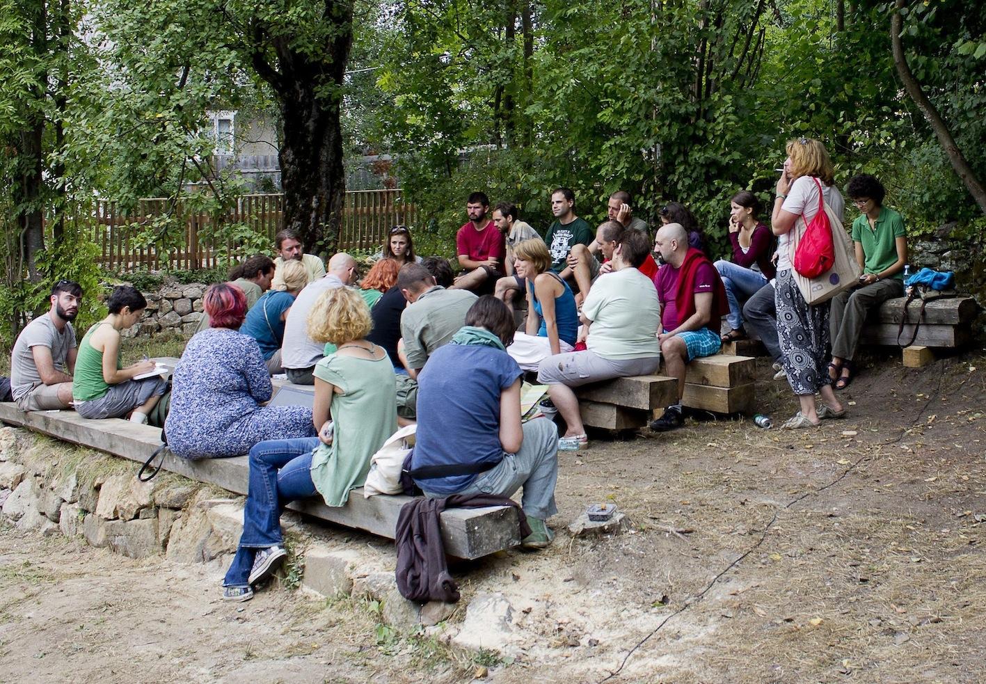 palinca project Rise project publica pe site licenta de exploatare in cazul rosia montana, adica documentul prin care statul roman a cedat dreptul asupra aurului din zona.