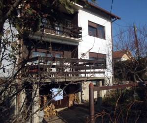 Casa bunicului lui Nemanja din Zajecar. Pavlovic Nemanja apare cu această adresă în actele firmelor românești deși nu mai locuiește aici de 20 de ani.