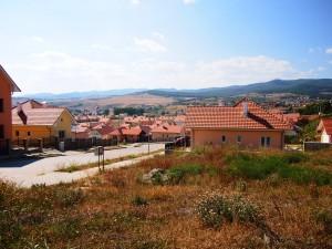 Glar Construct, firmă legată de Sebastian Ghiță, a construit case pentru sătenii relocați din Roșia Montană