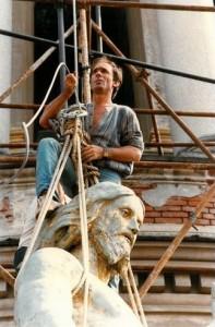 Gianfranco Montipo, participând, în 1982, la operațiunea de restaurare a Cristului din vârful basilicii San Gaudenzio din Novara