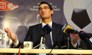 Răzvan Burleanu, în noiembrie, la lansarea candidaturii pentru președinția FRF Sursa: RISE Project