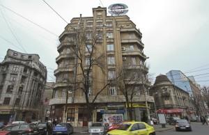 Clădirea din Piața Rosetti în care Popescu a deținut etajele 4 și 6