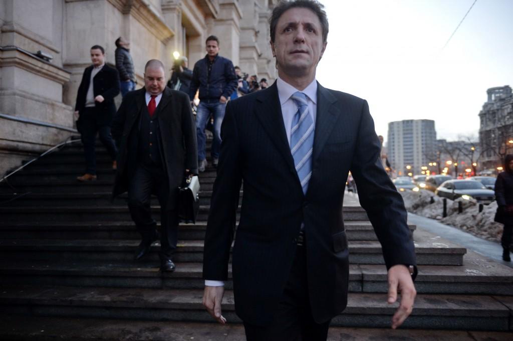 Într-una dintre ultimele sale zile de libertate, Gică Popescu refuza să lase în seama altora vinovăția sa din Dosarul Transferurilor / FOTO: Răzvan Lupică / Mediafax