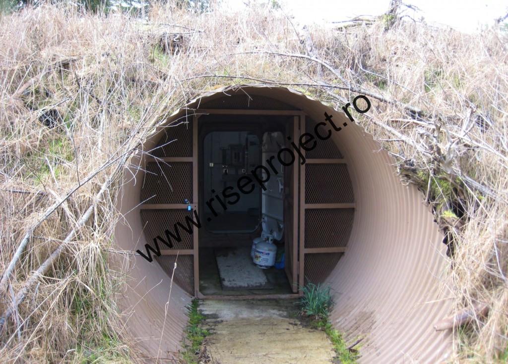Intrarea în buncărul soților Nemeș