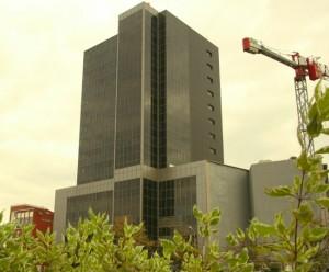 Proprietarii au cerut Primăriei 26 de milioane de euro pentru clădea de peste drum de căminele studențești Regie.