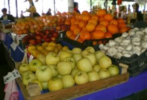 Piața de legume și fructe a fost dominată în ultimii ani de afaceriștii turci din regiunea Samandag. Foto: RISE Project