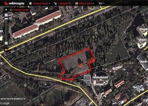 Terenul concesionat de Burleanu în parcul din Ploiești este delimitat cu o linie roșie / FOTO: Salvați Parcul Andrei Mureșanu!