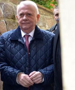 Pe 28 octombrie 2014, Viorel Hrebenciuc a fost reținut de procurorii DNA Brașov. Foto: Robert Frunzescu/Mediafax Foto.