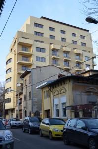 Clădirea ridicată la adresa: Aurel Vlaicu nr. 120 - 122
