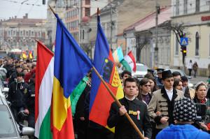 Sute de manifestanți au participat azi în centrul Clujului la marșul organizat de Ziua Maghiarilor de Pretutindeni. Foto: Dan Horia Tăutan/Mediafax Foto.