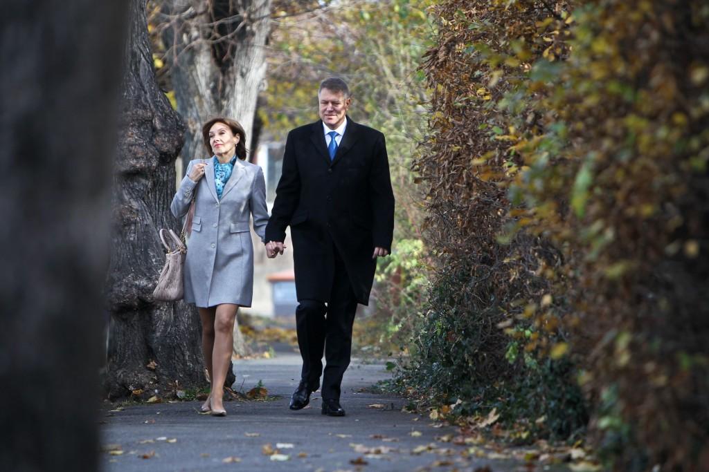 Dosarul penal în care sunt cercetați Carmen și Klaus Iohannis s-a pierdut între Sibiu și București. FOTO: Adi Pîclișan / Mediafax
