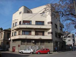 Imobilul Solly Gold, unul dintre cele mai sofisticate proiecte ale lui Marcel Iancu din București. Se găsește pe Strada Hristo Botev. FOTO: cimec.wordpress.com.