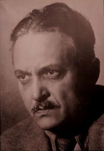Marcel Iancu a fost unul dintre cei care au fondat mișcarea Dada, în Zurich, în 1917. Iancu urma studiile de Arhitectură în Elveția, le vremea aceea. ,