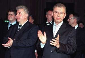Viorel și Ioan Micula, în 2003, la lansarea televiziunii National TV, parte din grupul lor media. Foto: Petrică Tănase/Mediafaxfoto.