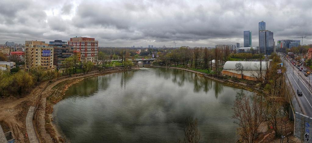 Vedere din dreptul hotelului în construcție, deținut de fiica generalului Gabriel Oprea / FOTO: RISE Project, Sergiu Brega