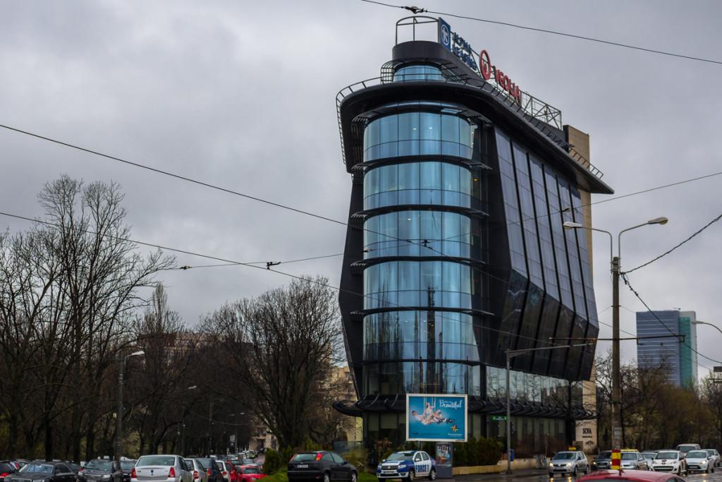Clădirea de birouri construită de Remus Florin Capotă / FOTO: RISE Project, Sergiu Brega