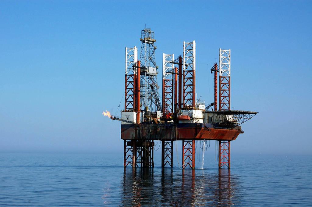 Platforma petrolieră Orizont din Golful Persic / Foto: Mediafax Foto, Cristi Cimpoes