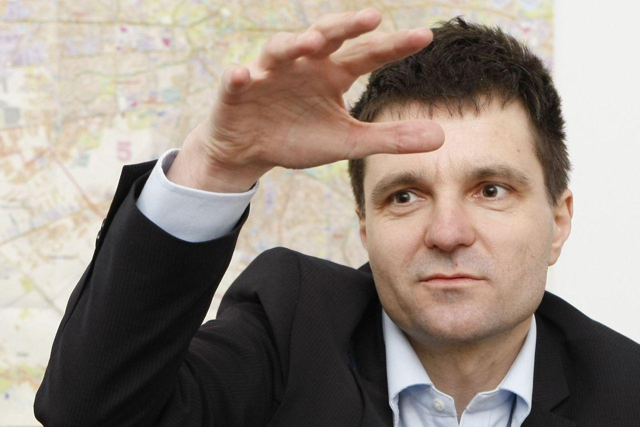Nicușor Dan, în campania din 2012, la finalul căreia a obținut un scor de 8,48%, adică 66.000 de voturi dintr-un total de  785.000 voturi valabil exprimate. FOTO: Eduard Enea/Adevărul.