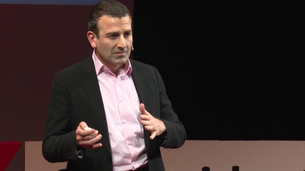 Walid Abboud, unul dintre fondatorii lanțului de farmacii Sensiblu, speaker la un eveniment TedX