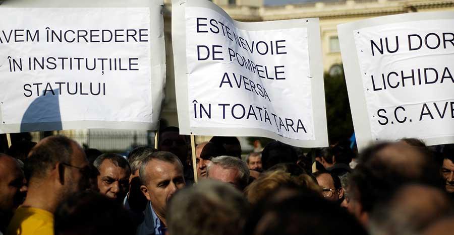 Înainte de privatizare salariații Aversa București au protestat în repetate rânduri împotriva lichidării companiei. Foto: Mediafax Foto / Bogdan Maran