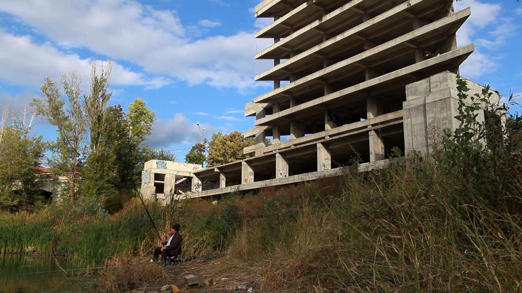 Construcția ridicată de Gabriel Oprea, pe malul Lacului Colentina. Foto: RISE Project