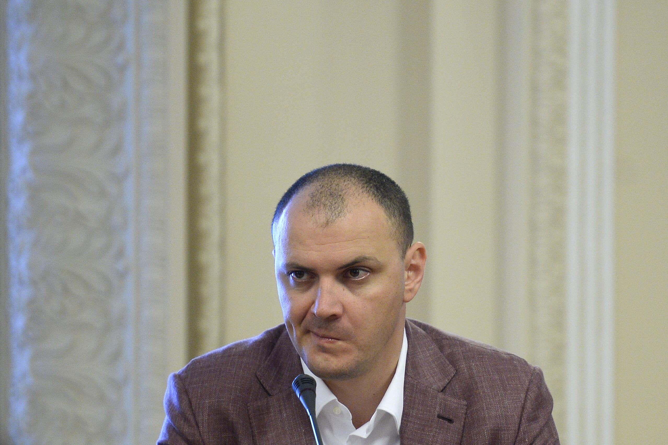 Fostul deputat PSD, Sebastian Ghiță, participă la audierile reprezentanților SRI, la Palatul Parlamentului, în București, marți, 24 iunie 2014. Foto: Octav Ganea / Mediafax