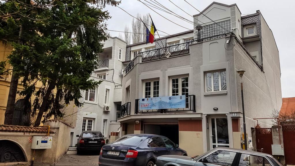 Intrarea Camil Petrescu nr.5, sediul actual al Agenției Naționale pentru Egalitate de Șanse între Femei și Bărbați. Foto: Sergiu Brega / RISE Project / 2016