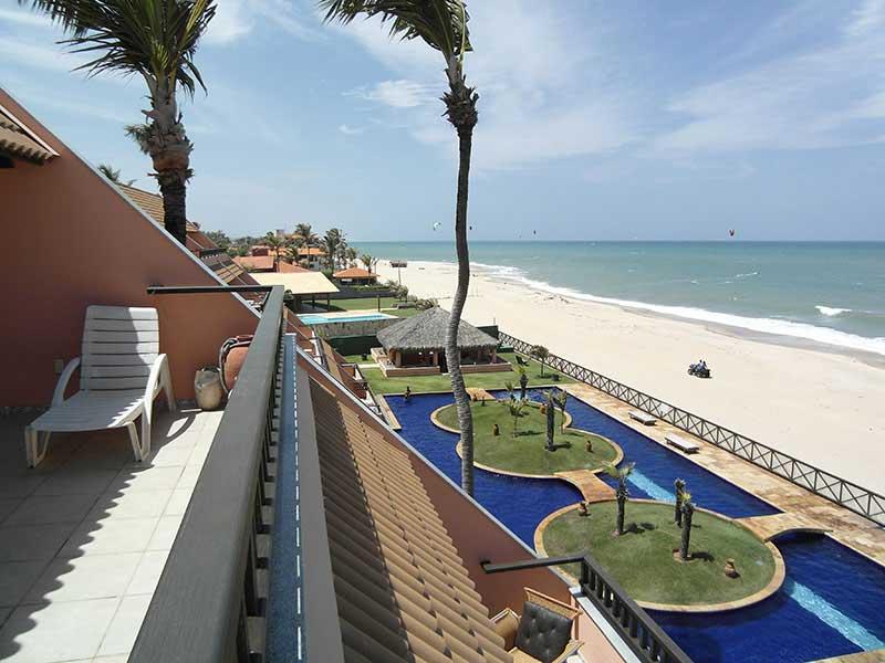 Vedere de la balconul apartamentului din Cumbuco
