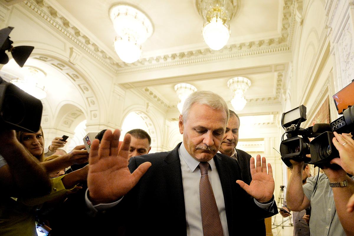 Liviu Dragnea după dezbaterea moțiunii de cenzură împotriva guvernului Grindeanu în Parlamentul României. Foto: MediafaxFoto / Andreea Alexandru