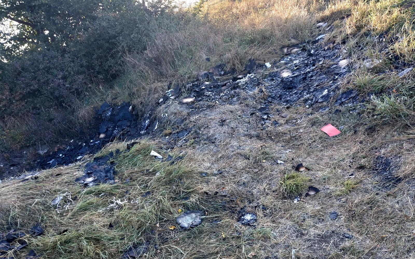 La trei zile de la incident reporterii BIvol au mai recuperat alte bucăți din documentele arse.