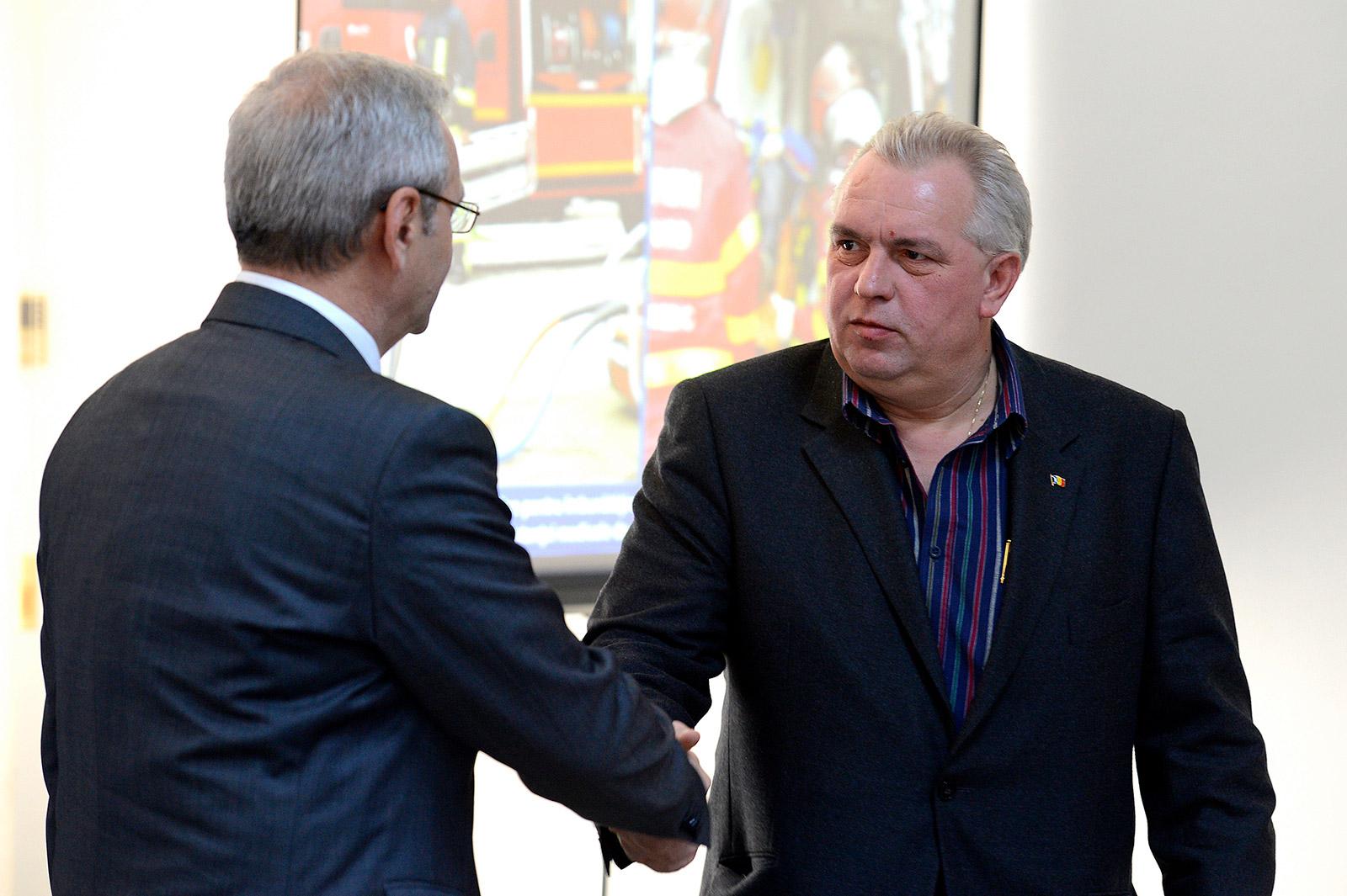 Liviu Dragnea (stânga) și Nicușor Constantinescu / Foto: Mediafax Foto, Răzvan Chiriță