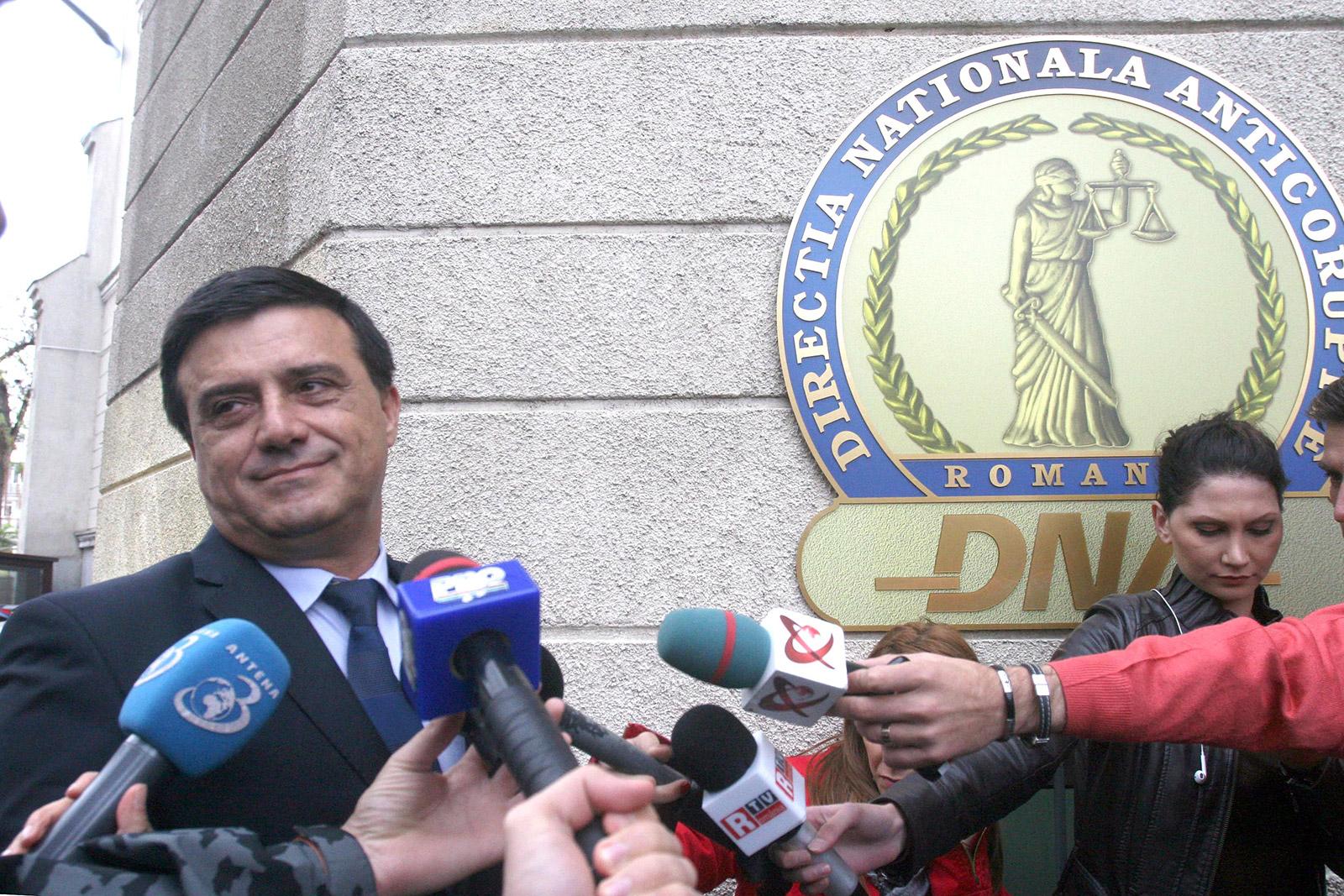 Nicolae Bădălău a fost chemat la DNA în aceeași zi cu Claudiu Manda și Gabriel Vlase. Bădălău a confirmat pentru RISE că procurorii l-au întrebat despre partidele de vânătoare la care a participat în fieful lui Dragnea / Foto: Mediafax Foto, Alexandru Dobre