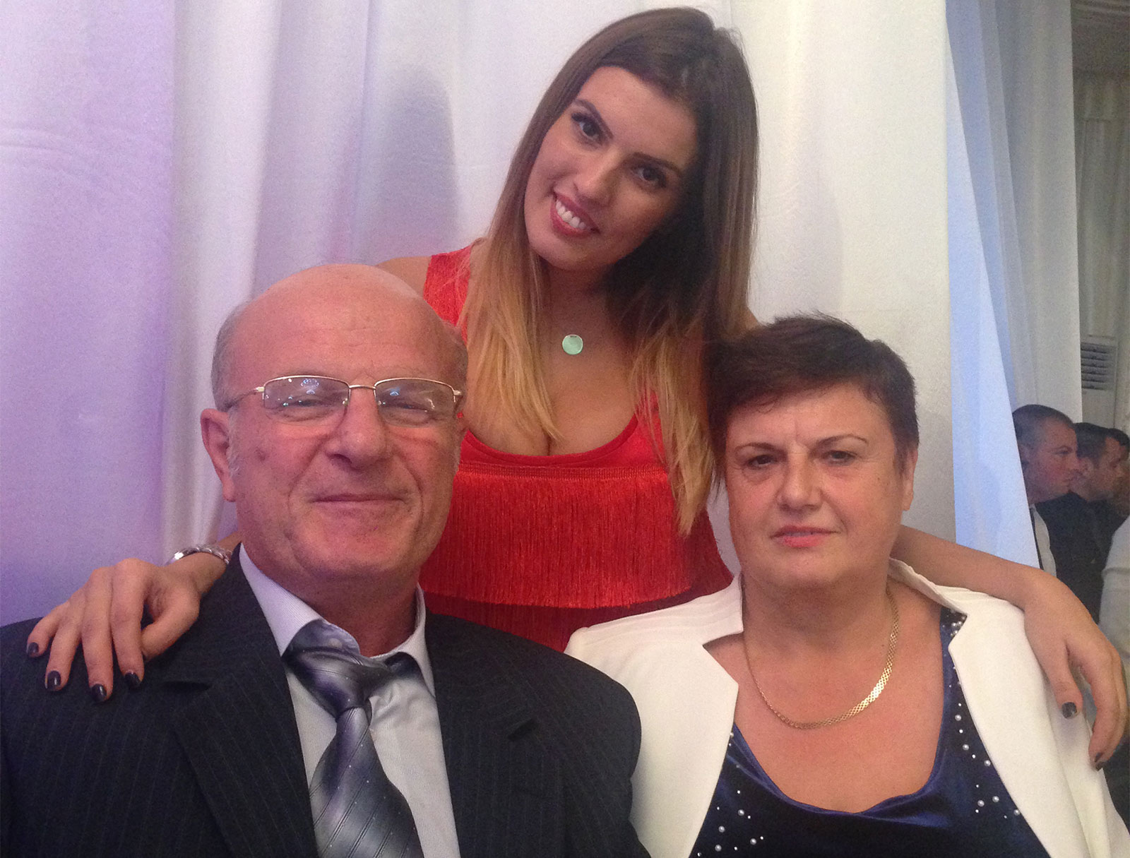 Familia Biolan - Ioan, Florența (dreapta) și fiica lor cea mică, Florentina, prezenți la unul dintre evenimentele grupului
