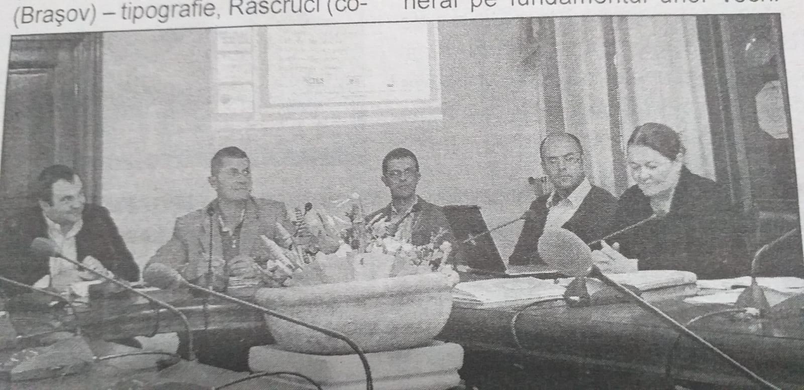 Sorin Pădurariu și Dan Barna au participat împreună la întâlniri, încă de la debutul primelor proiecte la Alba Iulia. O fotografie din presa locală îi reunește pe cei doi cu Magdalena Bene de la Consiliul Județean Alba și liderul Fundației Civitas Cluj, Martin Bologh.