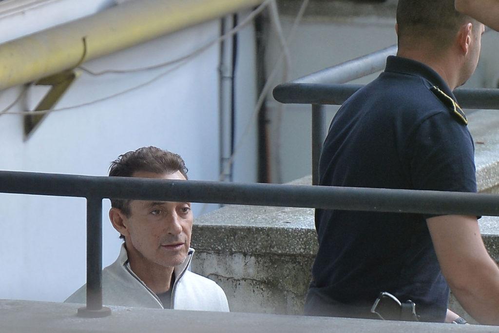 """Radu Mazare la Curtea Supremă după ce a fost adus în țară și a fost încarcerat în urma sentinței din dosarul """"Retrocedărilor"""". Foto: Alexandru Dobre - Mediafax Foto"""