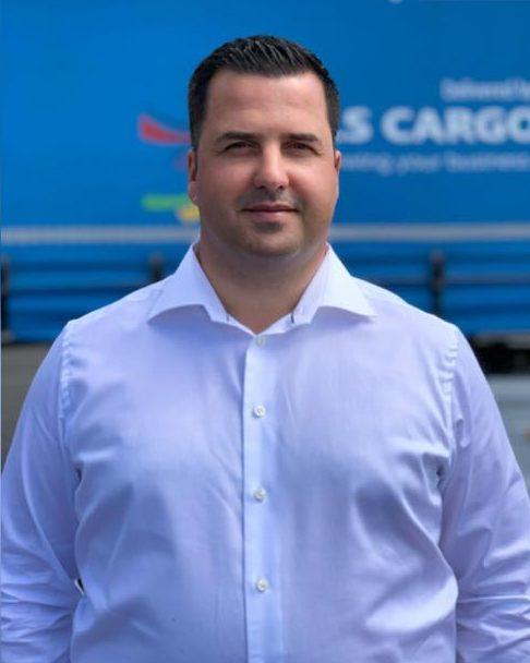 Cu câteva luni înainte să semneze contractul cu firma de stat, Mihai Stoica vânduse 60 la sută din SLS Cargo România către asociații din grupul Fan Courier.