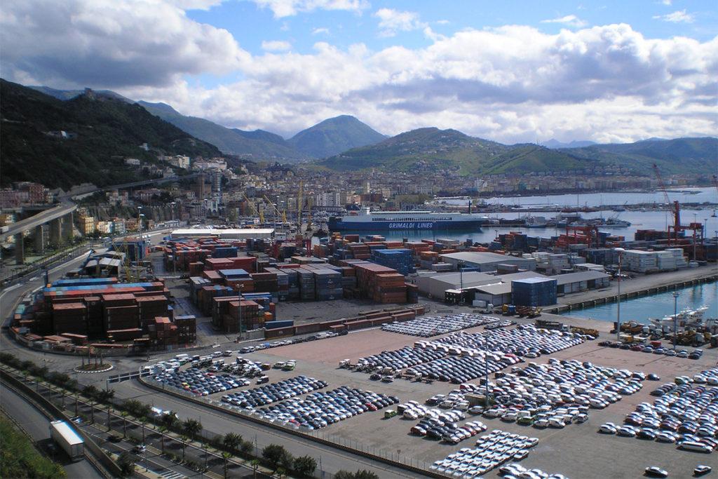 Portul Salerno, unul dintre cele mai importante porturi din sudul Italiei. Sursa: Giuseppe Pepe (CC BY 3.0)